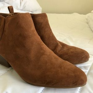 Old Navy Shoes - Old Navy Booties / Ankle Boots